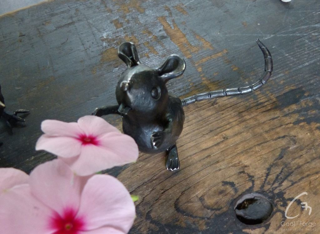 www.masseur-metal.fr - Geoffroy Weibel forgeron d'art, forge et metallerie contemporaine Strasbourg - japan animal mice