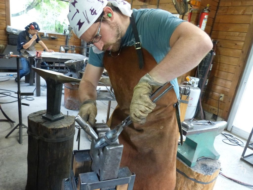 www.masseur-metal.fr - Geoffroy Weibel forgeron d'art, forge et metallerie contemporaine Strasbourg - japan animals (2)