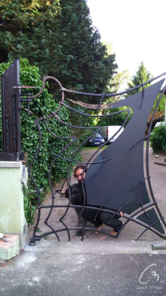 www.masseur-metal.fr - Geoffroy Weibel forgeron d'art, forge et metallerie contemporaine Strasbourg - portail2 (1)