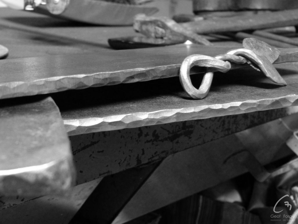 www.masseur-metal.fr - Geoffroy Weibel forgeron d'art, forge et metallerie contemporaine Strasbourg - radiateurs (2)_resultat